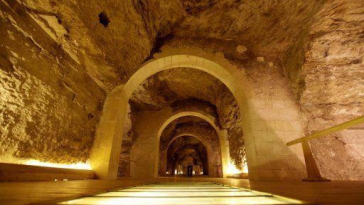 Tunnels Underneath the Egyptian Pyramids